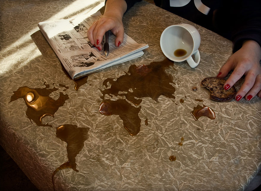 Kaffeslump by Erik Johansson