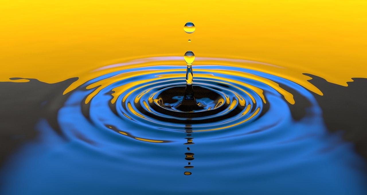 fotografare le gocce d'acqua
