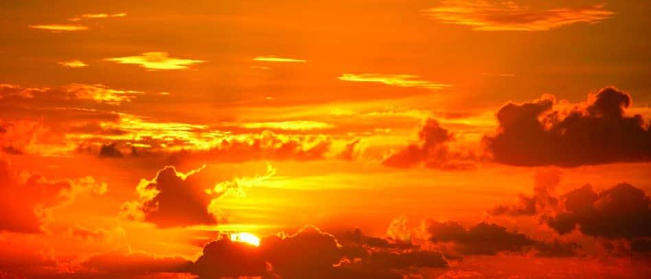 fotografia tramonto in cielo