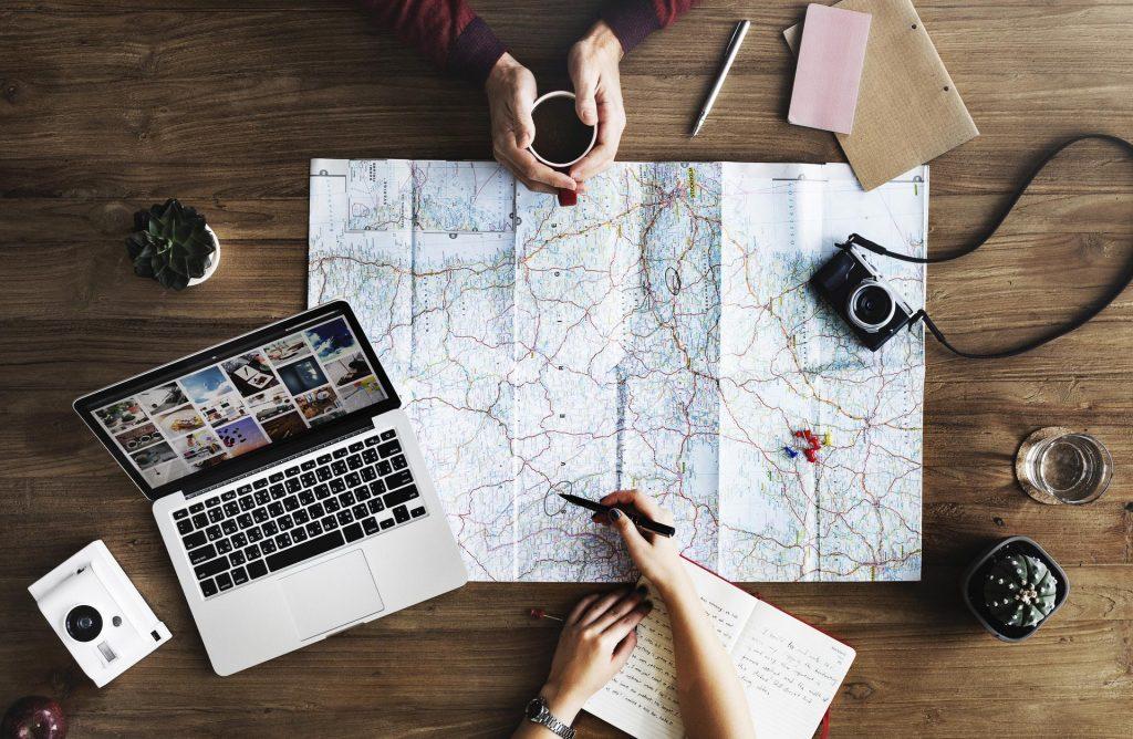 mappa con percorso di viaggio