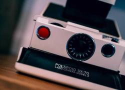 Polaroid: Storia / Fine / Rinascita di un Mito della Fotografia